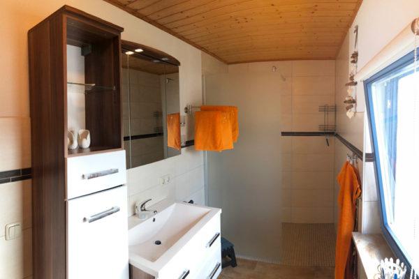 Ferienhaus-Bad-mit-Dusche-600x400-1