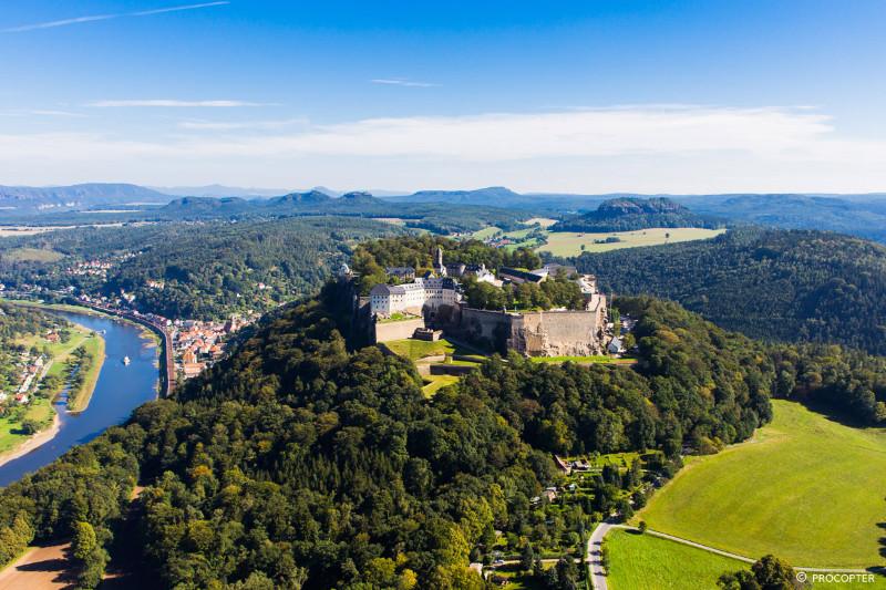 Festung-Koenigstein-Westansicht-Porträtbild