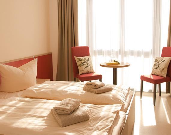 hotel_kraeuterbergl_kreischa_doppelzimmer__0005_LKK_181204_Doppelzimmer_Rot_24