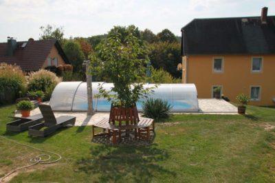 Impressionen-Pool-mit-Sitzecke-400x266-1